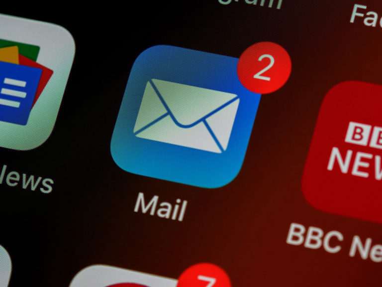 How to Add an HTML signature in Apple Mail